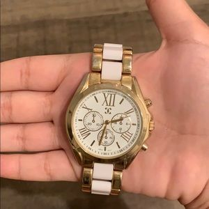 Accessories - White and gold watch